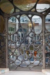 Puerta Casa Milà, Barcelona - A. Gaudí