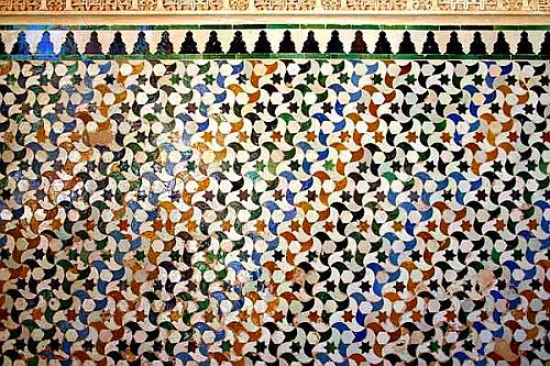 10+Arte+Islámico+Arte+del+Islam+en+Al+Andalus+Arte+Nazarí+Azulejos+de+la+Alhambra+source+image+Wikimedia+Commons
